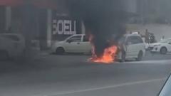 Астраханец лишился машины в огненном потоке