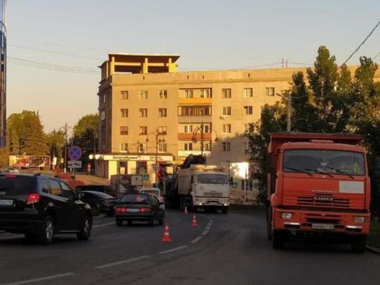 В Курске губернатор Роман Старовойт дал старт ремонту улицы Радищева