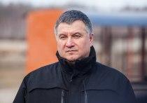 Отставка Арсена Авакова: новому главе МВД Украины придется «сдать Донбасс»