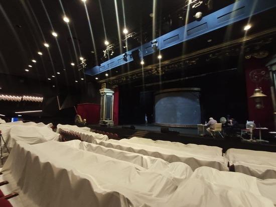 «Я клянусь, мы — театр!»: продюсер ЛДМ «Новая сцена» просит не лишать труппу дома