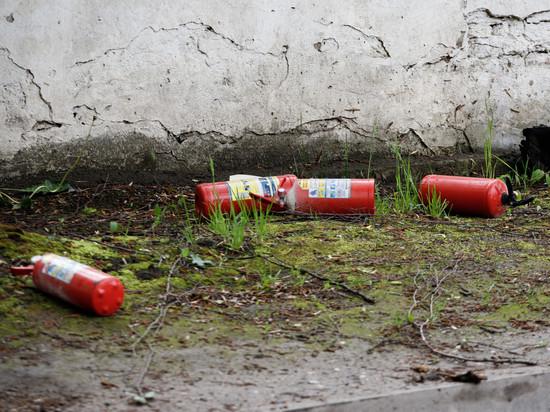 Житель Пыталовского района украл с АЗС огнетушители и измерительные приборы