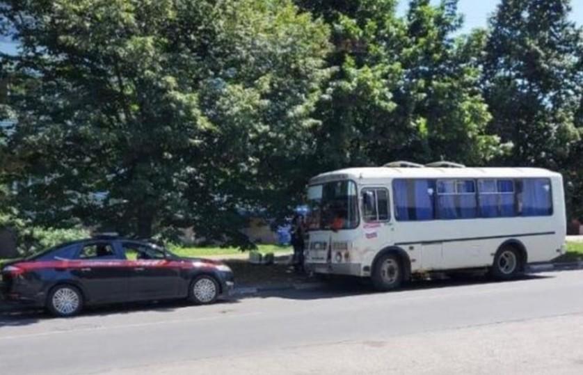Неадекват с ножом устроил бойню в ростовском автобусе, есть жертвы