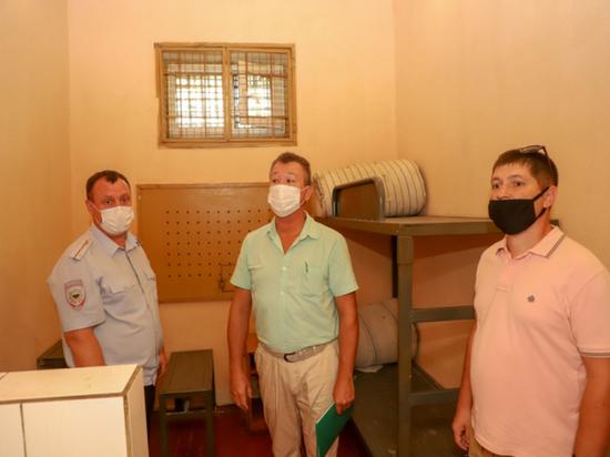 Условия нахождения псковских осужденных в СИЗО проверили общественники