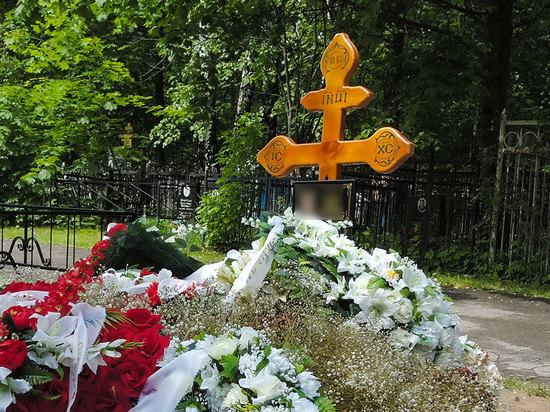Умерших от коронавируса в Петербурге стали хоронить бесплатно