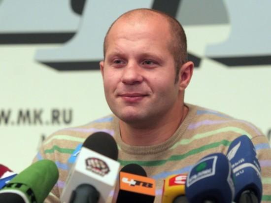 Емельяненко посетовал, что Нурмагомедов набрал лишний вес