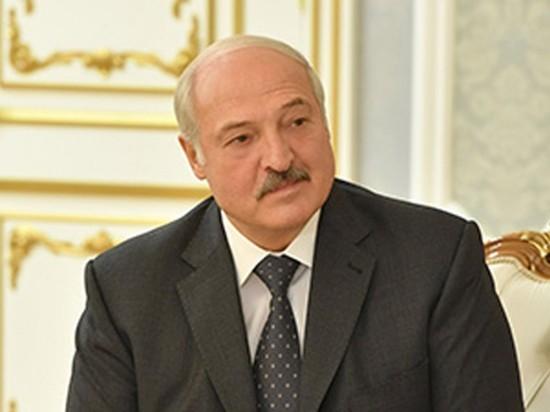 """Лукашенко призвал страны возводить """"мосты"""", а не """"стены"""""""