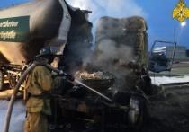 На калужской трассе загорелась фура после ДТП