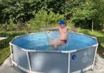 Как без проблем поставить бассейн, какую площадку лучше выбрать, чем заклеить, если порвался, и как убрать после сезона - этими и другими секретами с «МК» поделился дачник Дмитрий Морозов
