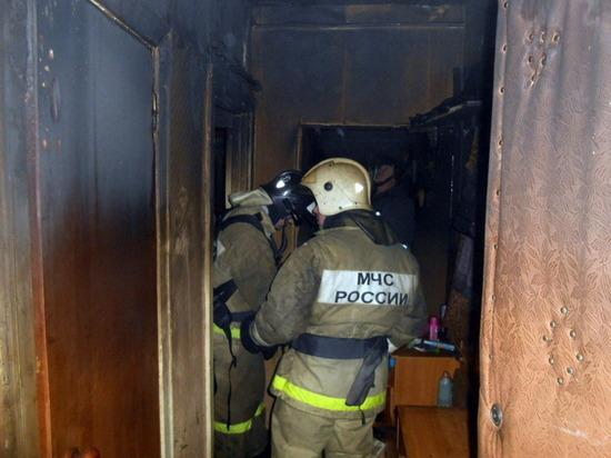 15 пожарных тушили квартиру в Йошкар-Оле