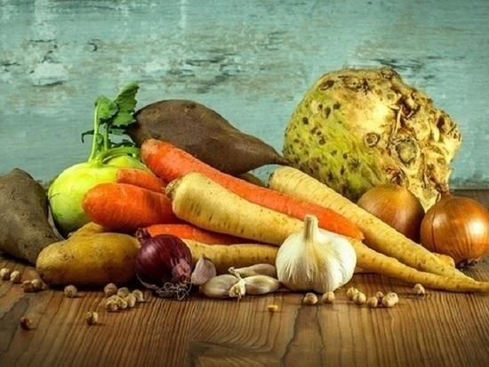 Овощи и фрукты на 150% дороже положенного продавали бизнесмены в селе Ямала