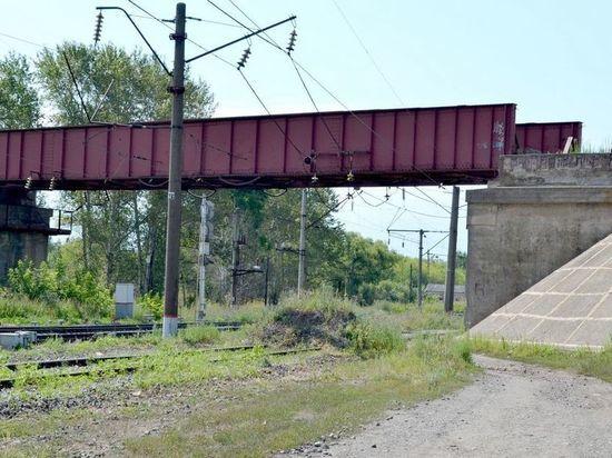 В Ряжске 14-летняя девочка на железной дороге упала с пятиметровой высоты