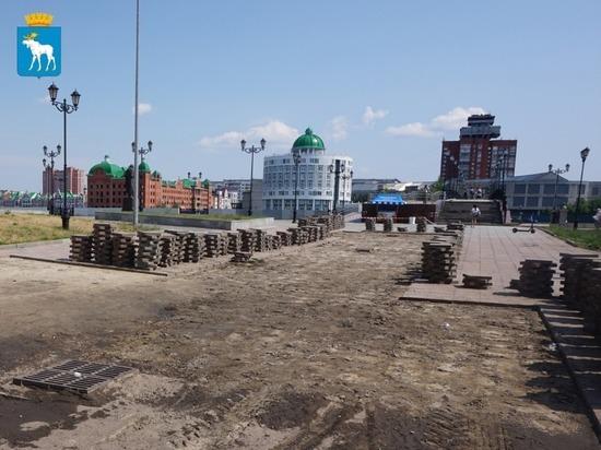 В Йошкар-Оле ремонтируется гранитное покрытие набережной