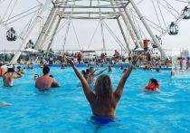 В бассейне казанского аквапарка «Ривьера» 13 июля отравились маленькие дети