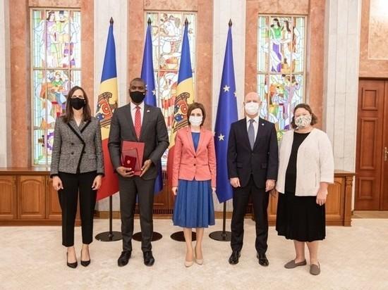 В резиденции президента Молдовы Майи Санду в минувший четверг высадился американский десант