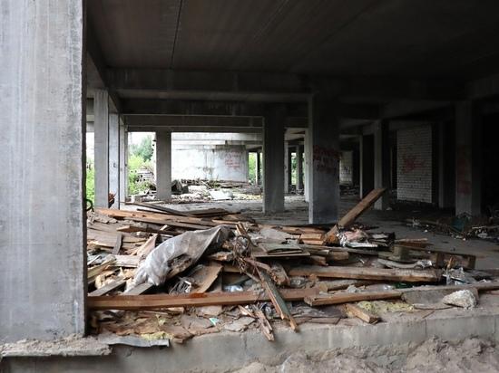 В Курске долгострой на улице Советской снесут за 2,2 млн рублей