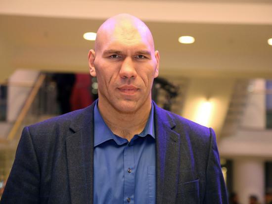 Валуев признался в желании сфотографироваться в Москве в шарфе «Зенита»