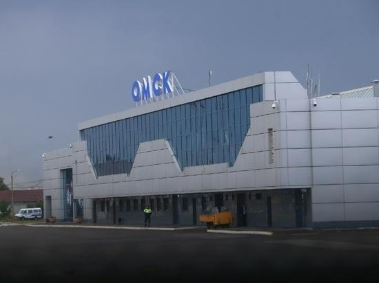 В омском аэропорту за 210 тысяч рублей продают магазин сувениров