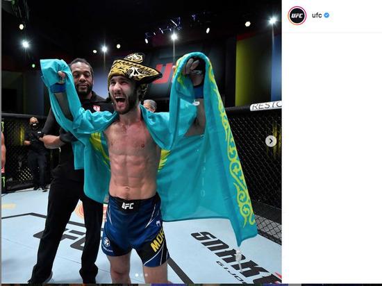 Казахстанский боец Морозов одержал первую победу в UFC