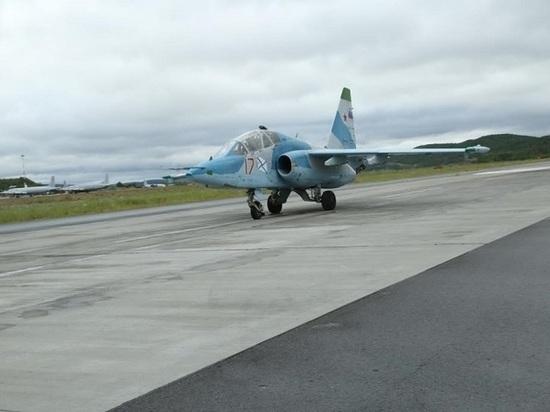 Молодые летчики морской авиации Северного флота провели в небе Заполярья учебные полеты