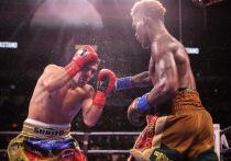 В ночь с 17 на 18 июля в Сан-Антонио местный боксер Джермелл Чарло и аргентинец Брайан Кастаньо устроили ярчайший поединок, на кону которого стояли все главные пояса первого среднего веса (до 69,9 кг)
