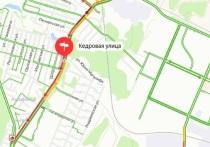 Трехкилометровая пробка сковала улицу Кедровую в Новосибирске – остальные дороги свободны