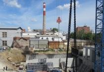 Екатеринбургским журналистам показали, как идет строительство жилого комплекса «Высота» на Нагорной, 12