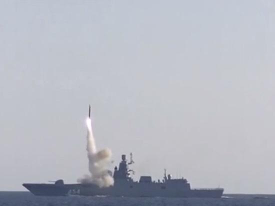 """Фрегат """"Адмирал Горшков"""" успешно выстрелил по цели ракетой """"Циркон"""""""