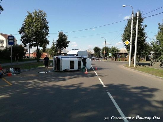 Три пассажирки пострадали в Йошкар-Оле при опрокидывании авто