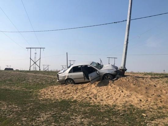В Мегино-Кангаласском районе водитель наехал на опору электроосвещения