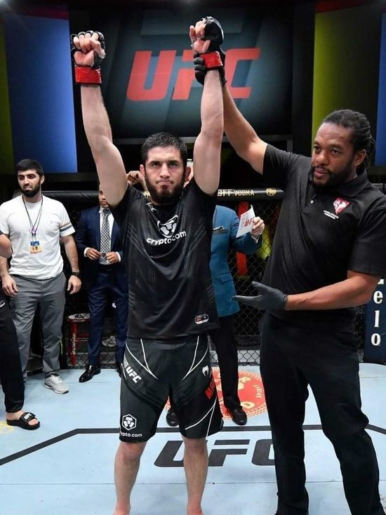 Главный бой в UFC выиграл ставропольский студент Ислам Махачев
