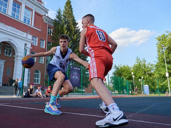 В Челябинске стартовал летний баскетбольный турнир
