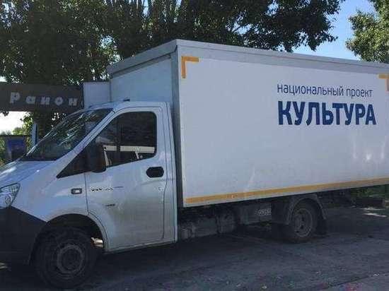 Власти Хакасии подарили жителям Аскизского района автоклуб