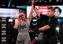 Хабиб Нурмагомедов получил очередную награду, Ислам Махачев одержал победу на турнире UFC, а в Сочи в рамках шоу Fight Nights произошел скандал. «МК-Спорт» рассказывает о главных событиях в мире смешанных единоборств за прошедшую неделю.