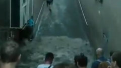 Две станции метро затопило в Киеве после ливня: видео