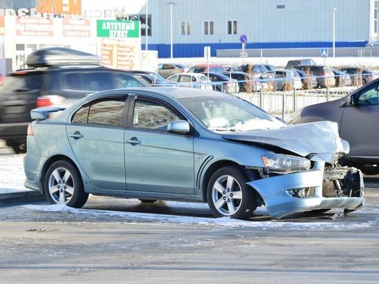 В Кирове автомошенники присвоили 29 млн рублями
