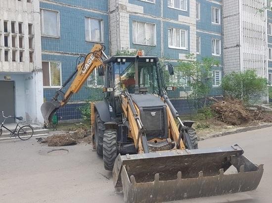 Пятнадцать дворовых территорий ремонтируют в Серпухове на этой неделе