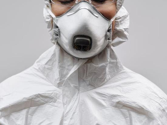 Россиянин об ужасах китайского мазка на коронавирус: кровь, рвота, истерики