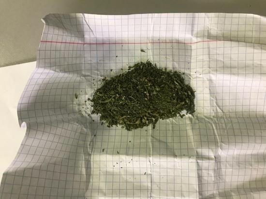 Вахтовика с наркотиками сняли с поезда в Ноябрьске