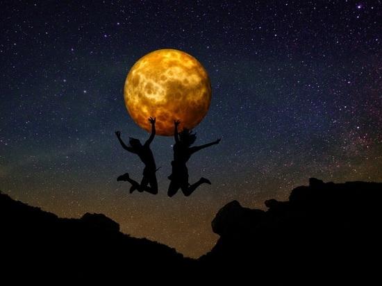 «Золотая» Луна: полнолуние 24 июля изменит жизнь до конца 2021 года