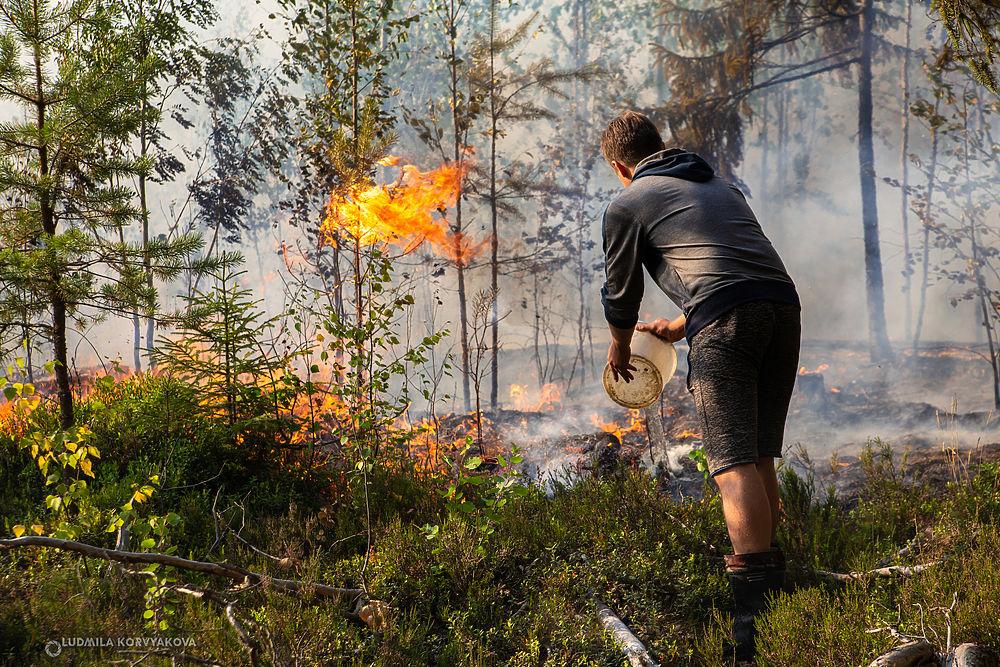 Огонь в Суоярвском районе тушат в основном волонтеры