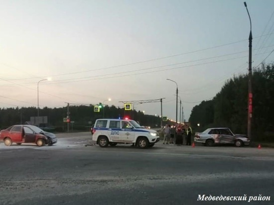 При столкновении двух ВАЗов в Марий Эл пострадала 43-летняя женщина