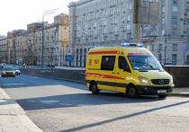 Металлический кусок автомобильного диска, вылетевший с дороги, пробил лобовое стекло автомобиля и травмировал автоледи 19 июля на севере Москвы