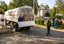 В понедельник 19 июля прибывшие в Суоярвский район военнослужащие МЧС встретились с местными жителями и услышали главный вопрос: почему не тушите?