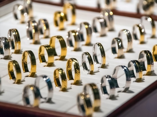 В Рубцовске неизвестный ограбил ювелирный магазин