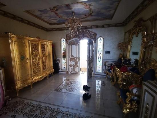Опубликованы фото «золотого» дворца начальника ГИБДД по Ставропольскому краю