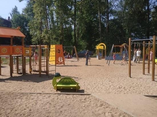 На улице М. Поповича, 18  на средства «Народного бюджета ТОС» построена новая детская площадка