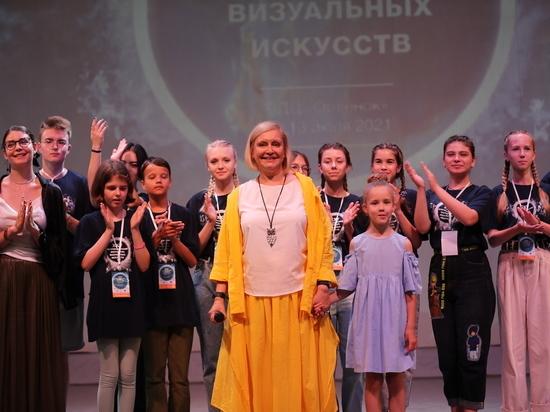 Катаклизм природный и финансовый  Всероссийский фестиваль визуальных искусств, ежегодно проходящий в «Орленке», своего рода уникальный и неповторимый