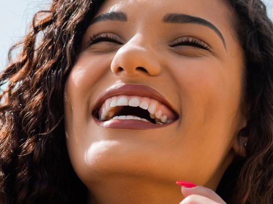Стоматолог развенчал пять главных мифов о лечении зубов