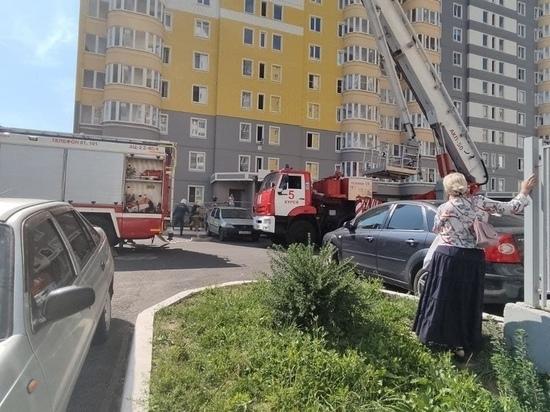 Жительница Курска оставила маленького ребенка одного в квартире на 15 этаже