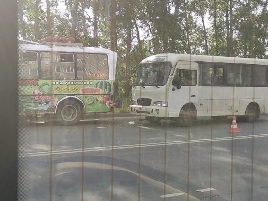 В Курске 35-летняя женщина пострадала при аварии двух маршруток